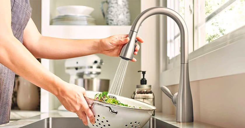 Best Kitchen Faucet Reviews – Top 10 Rated Models in 2020